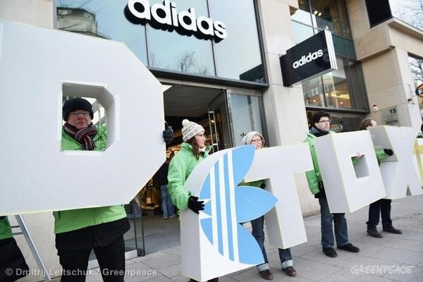 adidas protest in Hamburg Source: http://www.greenpeace.org/international/en/multimedia/photos/Detox-Protest-in- Hamburg/